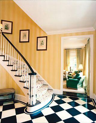 Yellow-foyer-0206_xlg-20669126